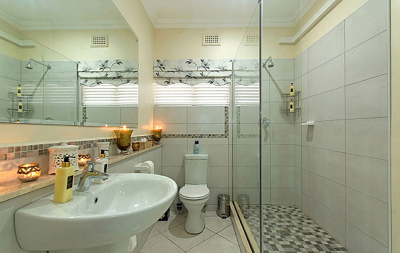 Aloe Bathroom